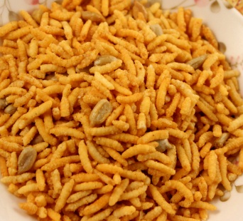 Fried rice snack food